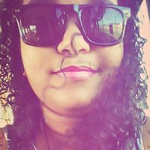 Lais Oliveira's avatar