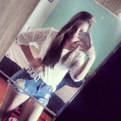 Milena_Gomes's avatar