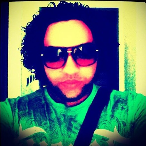Kael Tinours's avatar