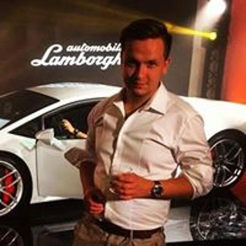 Kamil Orajt's avatar