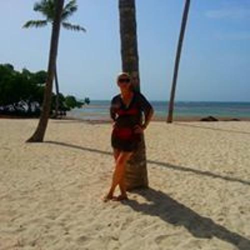 Felicia Ghenade's avatar