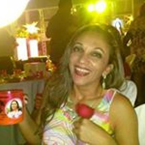 Elayne Soares's avatar