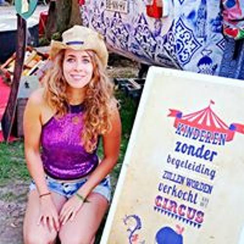 Leonessa Mandira's avatar