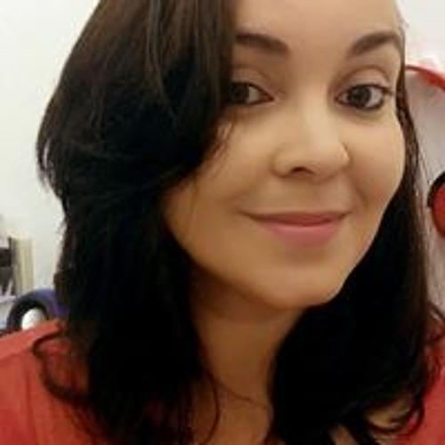 Itana Peixoto's avatar