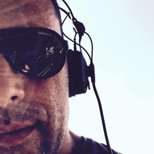 Willy Karl Beecher's avatar