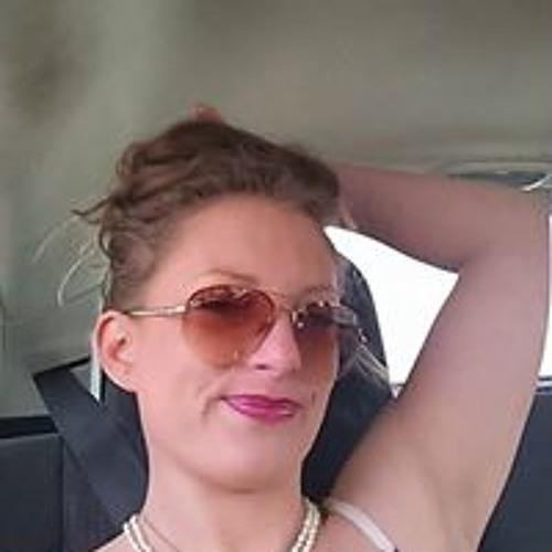 Angela Nixon's avatar