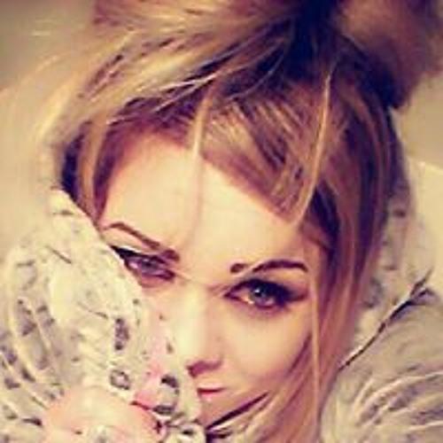 Mandie May's avatar