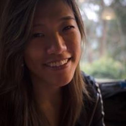 Elisa Saemi's avatar