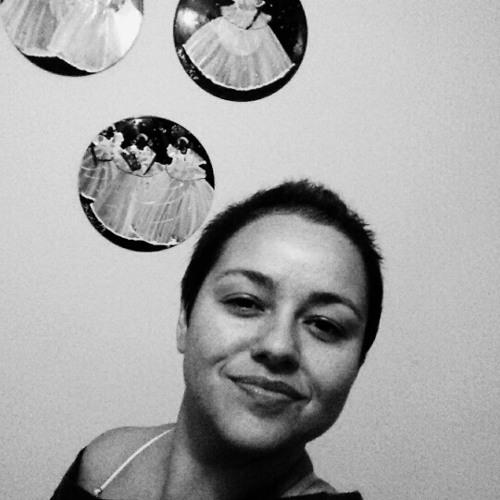 Gabriela Silva (café com bolacha)'s avatar