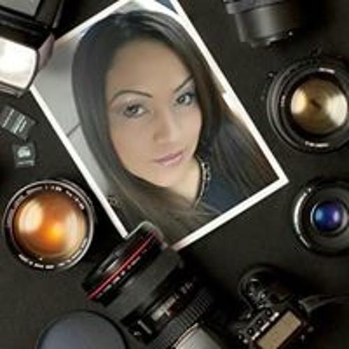 Milagro Pineda's avatar