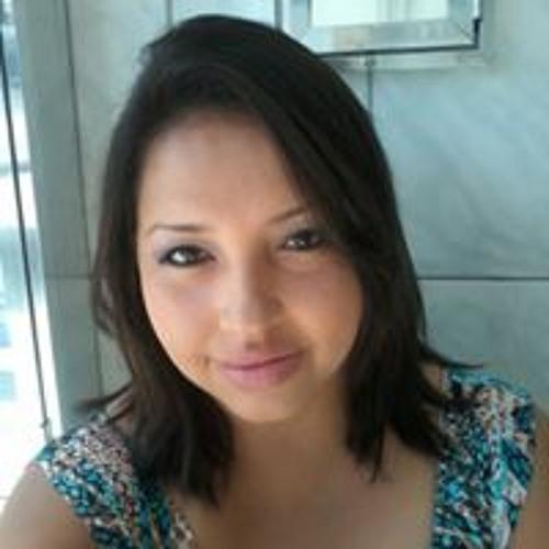 Luciana Alvarado's avatar