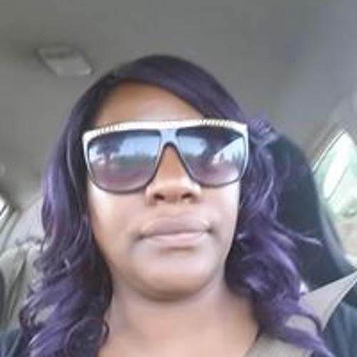 Daphne Cross's avatar