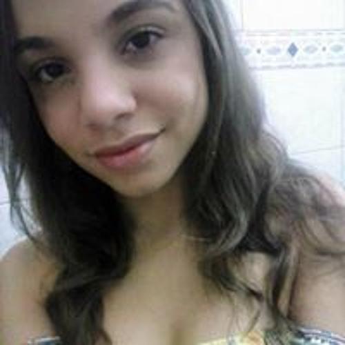 Júlia Fernandes's avatar