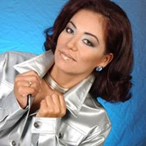 Lily Medinilla's avatar
