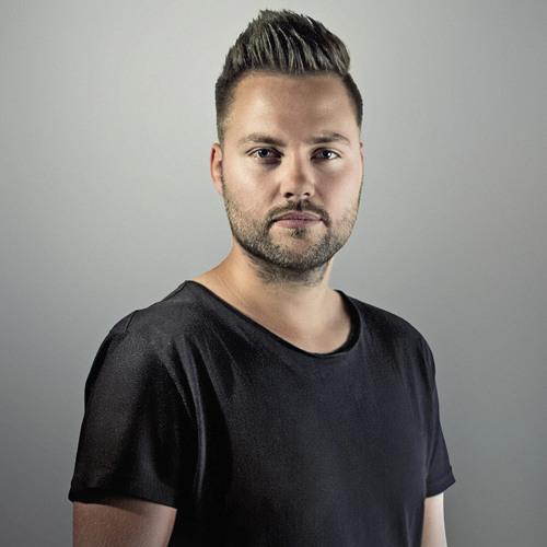 DJWaverider's avatar