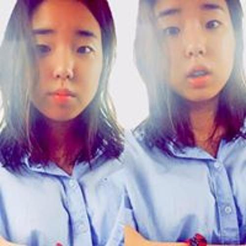 Jenny Lee's avatar