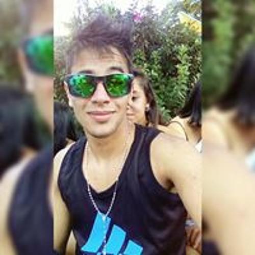 Lucas Araujo's avatar