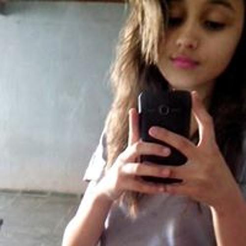 Bruna Araujo's avatar