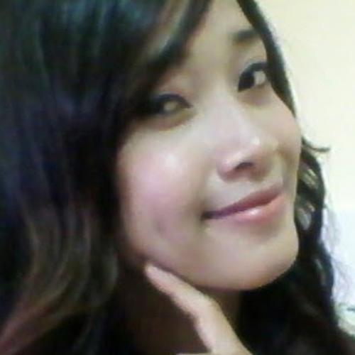 Juliana Santos's avatar