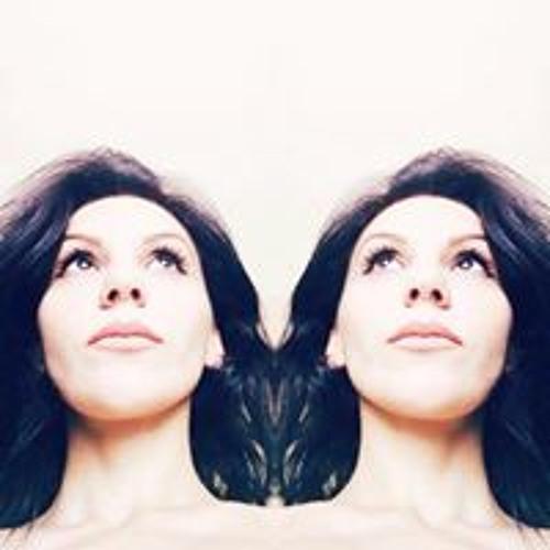 Bella Strateanu's avatar