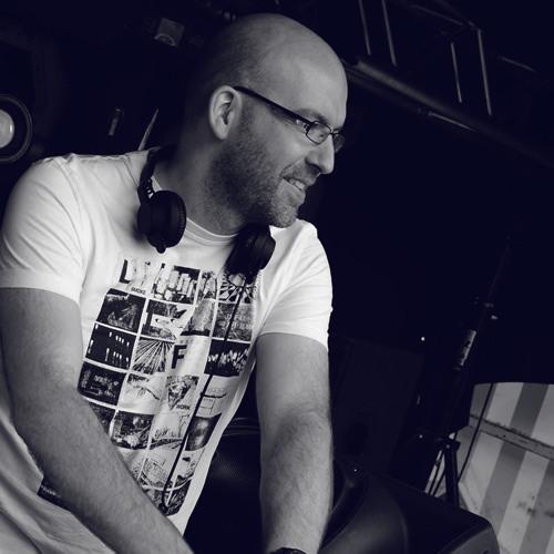 DJ Houwen / DJ FunkCat's avatar