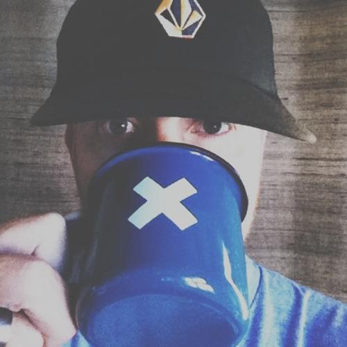 whiteknee's avatar