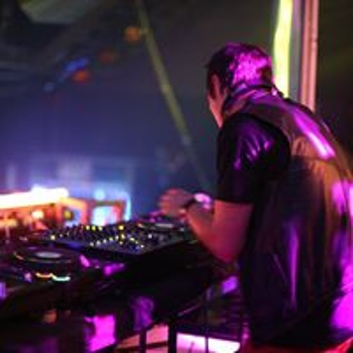 DJ Thomas Wizzle's avatar