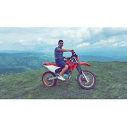 Ezequiel Alvarado's avatar