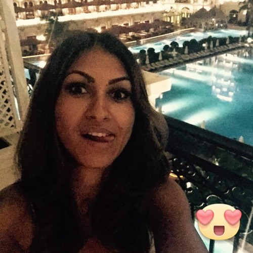 Carla Reyna's avatar