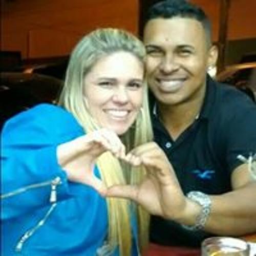 Michele Nascimento's avatar