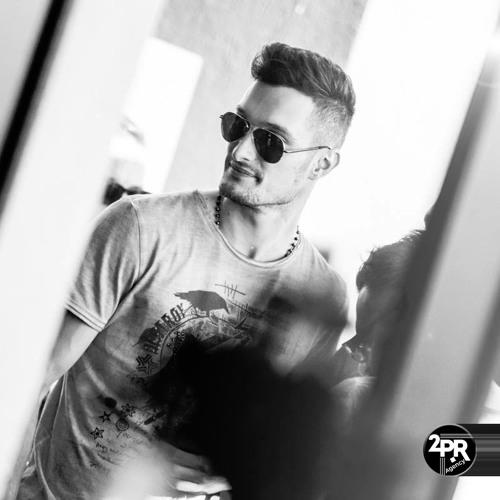 Mihai 2PR's avatar