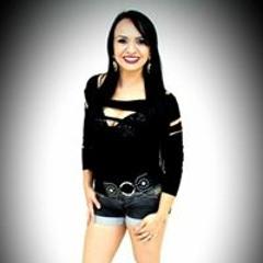 Letícia Bueno