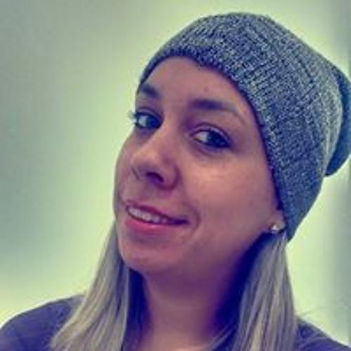 Nina Pires's avatar