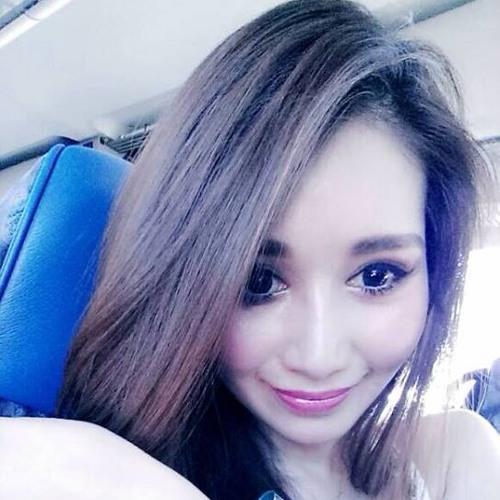 Ashley's avatar