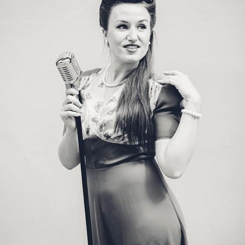 Miss Holiday Swing's avatar
