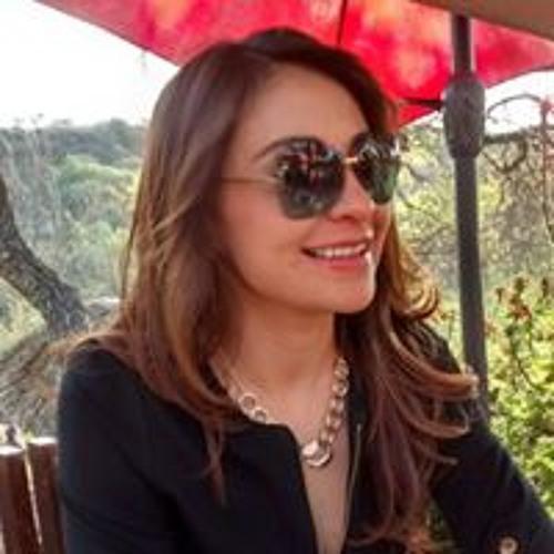 Ivonne Vega's avatar