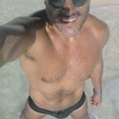 Miguel Castillo's avatar