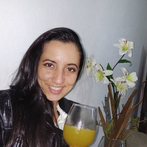 Michele Hills's avatar