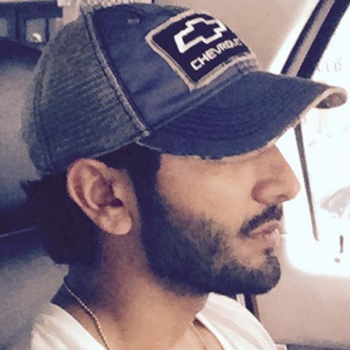 husseinsharif's avatar