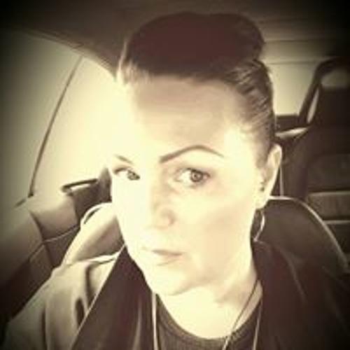 Helen Bradley's avatar