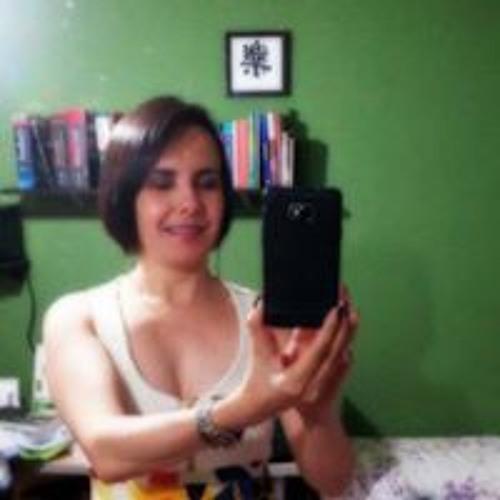 Cláudia Fernandes's avatar
