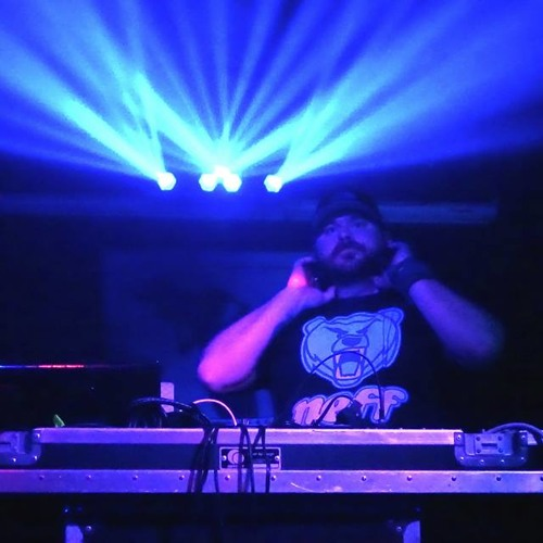 DJ Ryan Jones's avatar