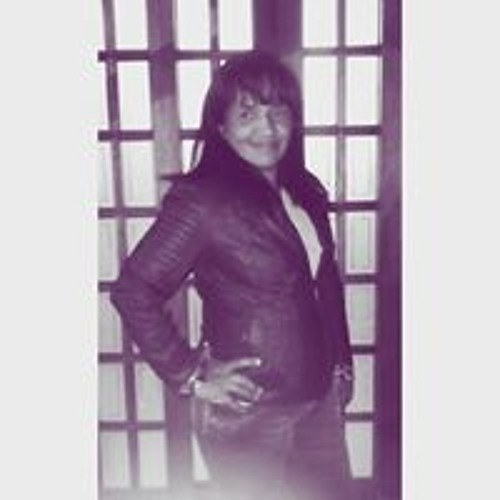 Simone Araujo's avatar