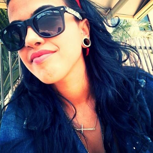 Sarah Guimarães 2's avatar