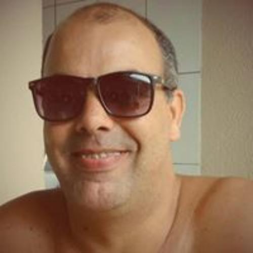 Kemer Silveira's avatar