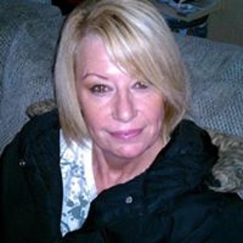 Rebecca Buttelo's avatar