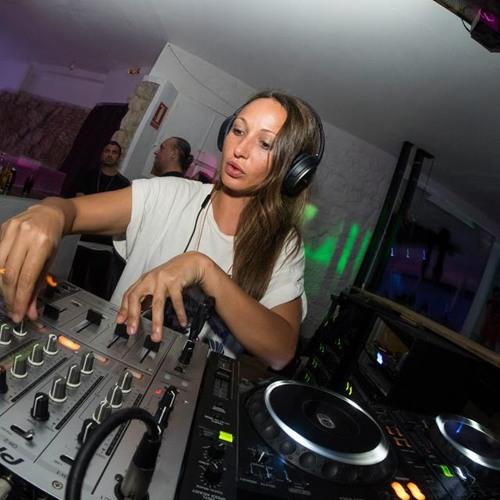 Mia Wallas Mia Alicante's avatar