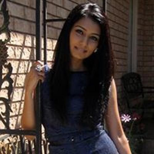 Raziya Khan's avatar
