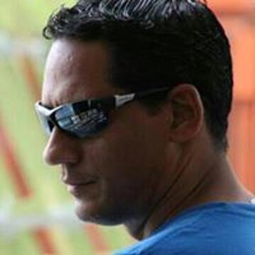Adalberto Teran's avatar