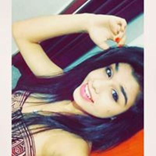 Aline Alves's avatar